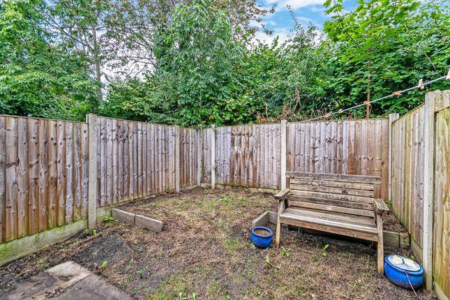 Garden of Dove Close, Birchwood, Warrington WA3