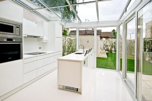 Thumbnail Town house to rent in Court Close, St. Johns Wood Park, London