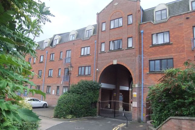 Thumbnail Flat to rent in Sidmouth Street, Reading