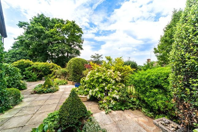 Garden Alt 2 of Catesby Gardens, Yateley, Hampshire GU46