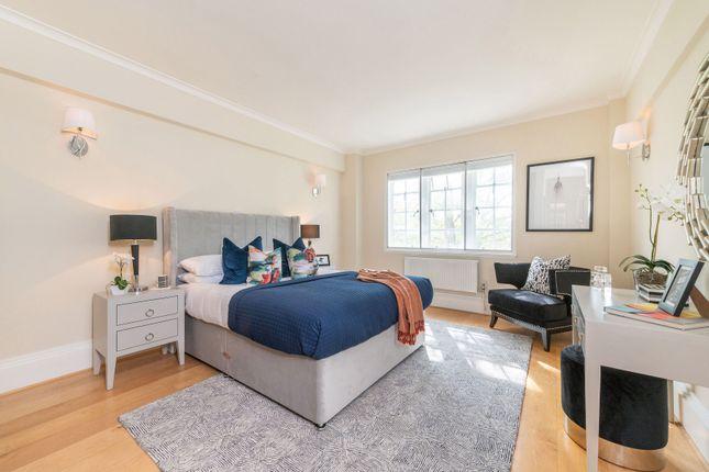Master Bedroom of Kensington High Street, Kensington, London W8