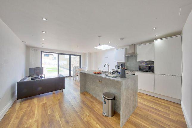 Thumbnail Flat to rent in Kingston Road, South Wimbledon