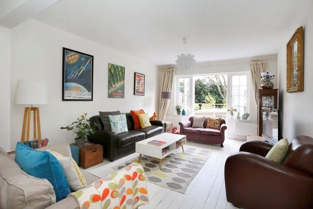 Thumbnail Terraced house for sale in Herondale Avenue, London