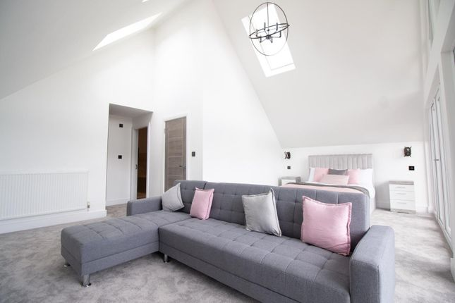 Master Bedrooms of Mere View, Astbury Mere, Congleton, Cheshire CW12