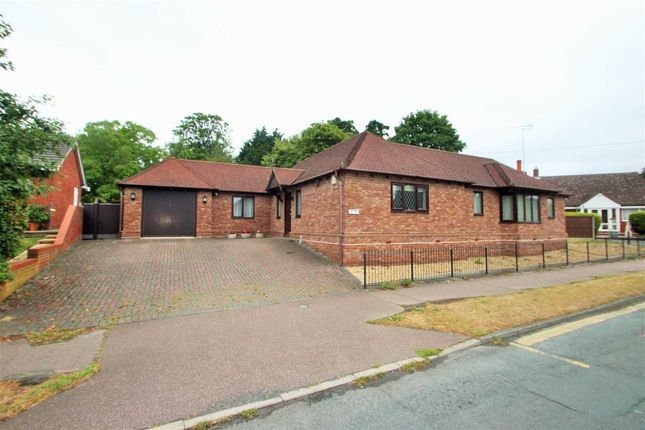 Thumbnail Bungalow for sale in Braiswick, Colchester