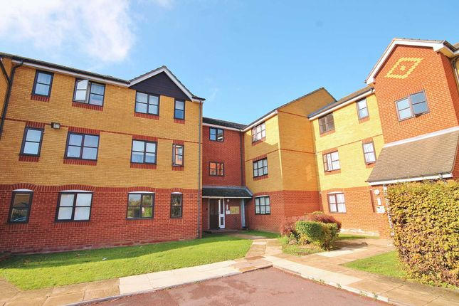 Thumbnail Flat to rent in Sherfield Close, New Malden