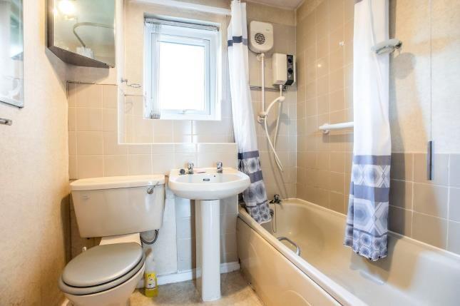Bathroom of Glenview Court, Ribbleton, Preston, Lancashire PR2