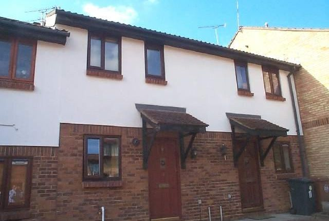 2 bed terraced house to rent in Page Hill, Ware SG12