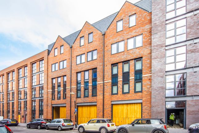 Flat to rent in Summer House, Pope Street, Jewellery Quarter