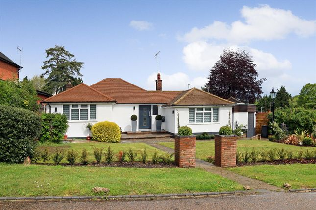 3 bed detached bungalow to rent in Goodyers Avenue, Radlett WD7