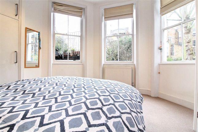 Picture No. 03 of Cross Street, Islington, London N1