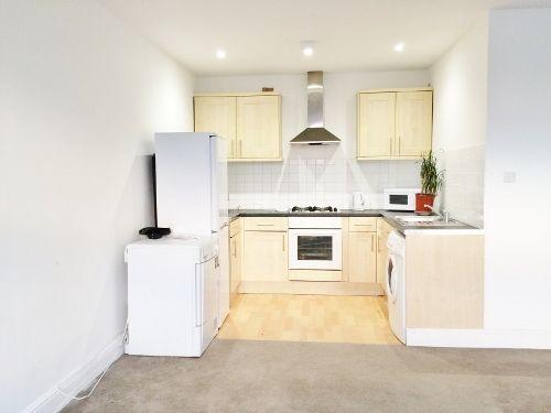 Thumbnail Flat to rent in Kilburn High Rd, West Hampstead