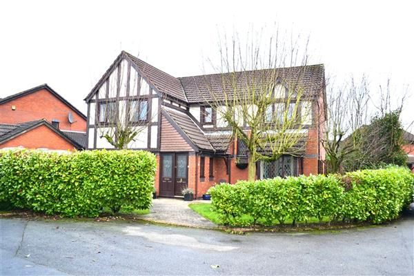 Thumbnail Detached house for sale in Banbury Close, Pennington, Leigh
