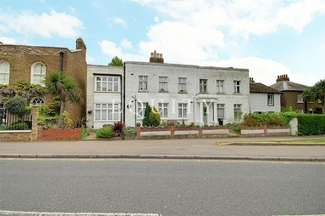 2 bed flat for sale in Chase Side, Enfield