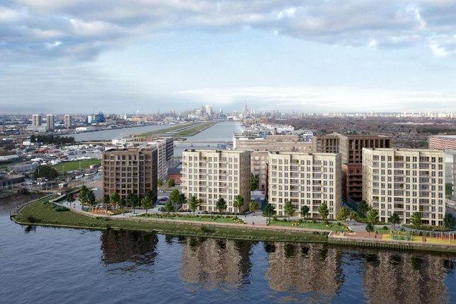 Thumbnail Commercial property to let in Royal Albert Wharf, London