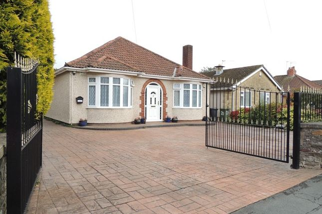 Thumbnail Bungalow to rent in West Street, Oldland Common, Bristol