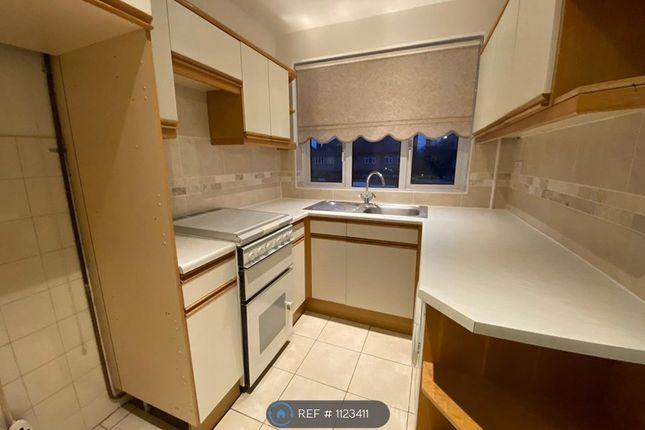 Thumbnail Maisonette to rent in Chalforde Gardens, Gidea Park