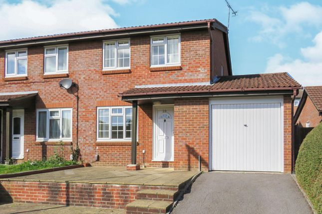 Thumbnail Property to rent in Clover Way, Romsey