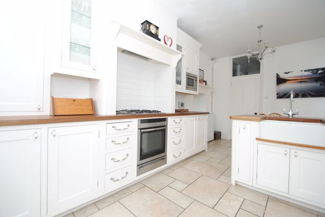 Photo 4 of Grove Court, Southbourne Grove, Westcliff-On-Sea SS0