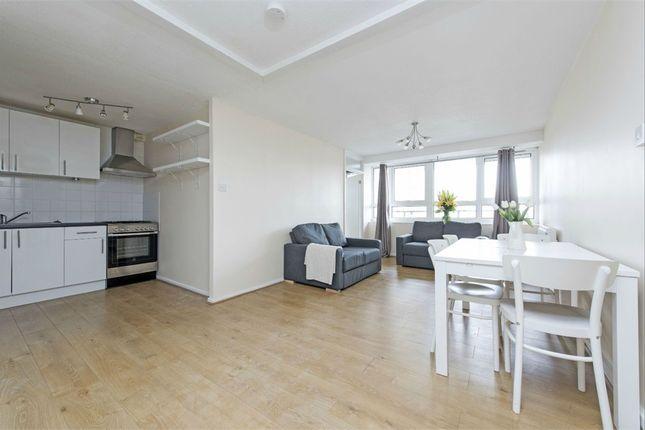 4 bed flat to rent in Goulden House, Bullen Street, Battersea, London