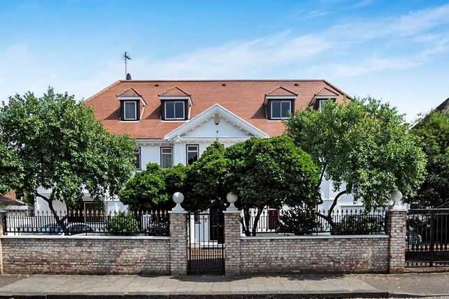Thumbnail Detached house for sale in Roedean Crescent, Richmond