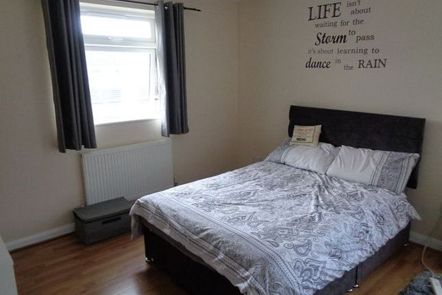 Thumbnail Room to rent in Boscobel Close, Stirchley, Telford
