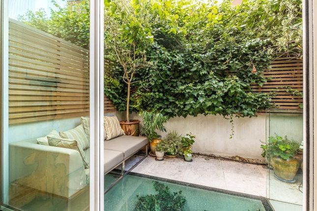 Garden of Smith Terrace, Chelsea, London SW3