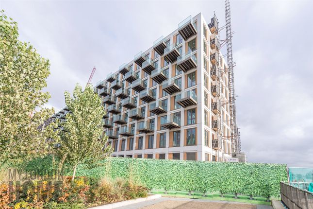 Thumbnail Property for sale in Sienna House, Royal Wharf