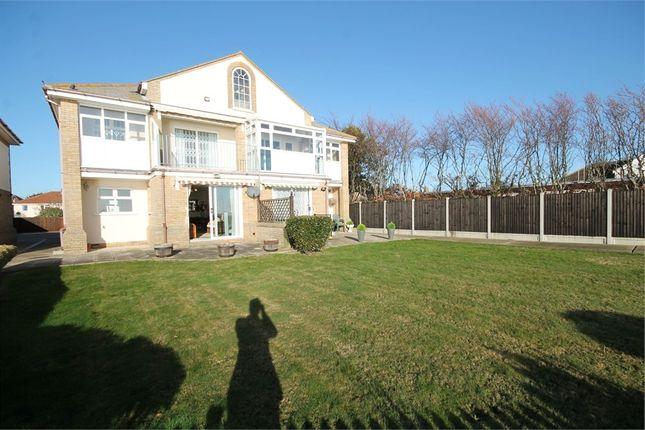 Thumbnail Flat for sale in Seaview Heights, Walton On The Naze