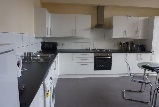 Thumbnail Flat to rent in 50 South Bridge, Edinburgh