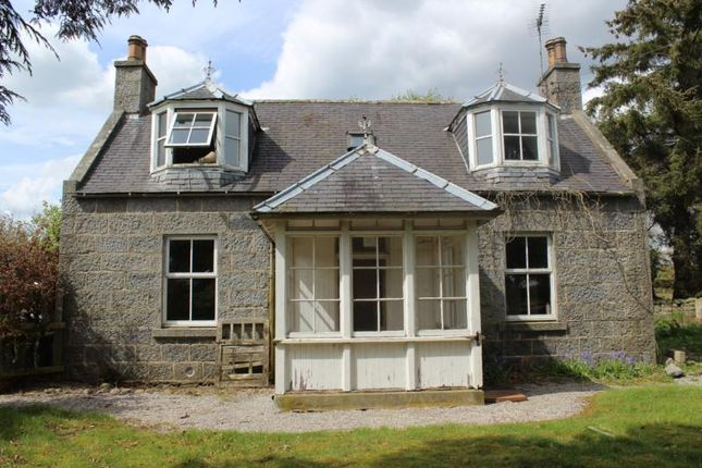 Thumbnail Cottage to rent in Cluny, Sauchen