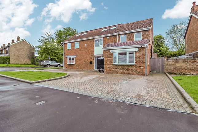 Thumbnail Detached house for sale in Purford Green, Harlow
