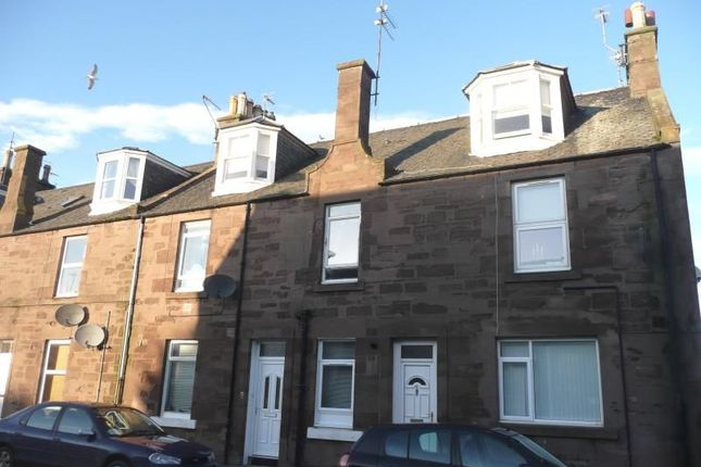 Thumbnail Flat to rent in Wellington Street, Montrose