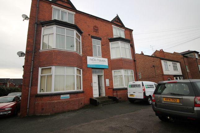 Thumbnail Flat to rent in 99 Flixton Road, Urmston