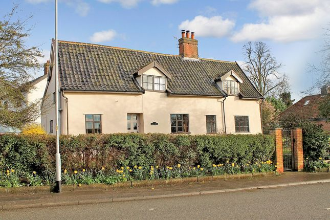 Thumbnail Detached house for sale in Norwich Road, Scole, Diss