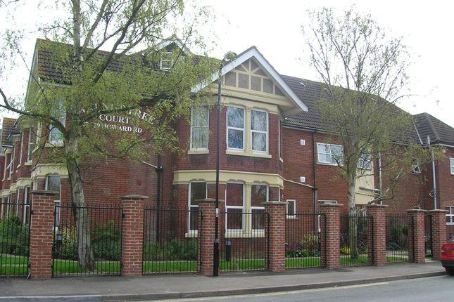 Thumbnail Flat to rent in Walnut Tree Court, Howard Road, Southampton