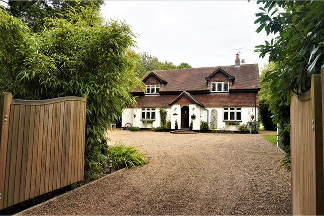 Thumbnail Detached house for sale in Copthorne Road, East Grinstead