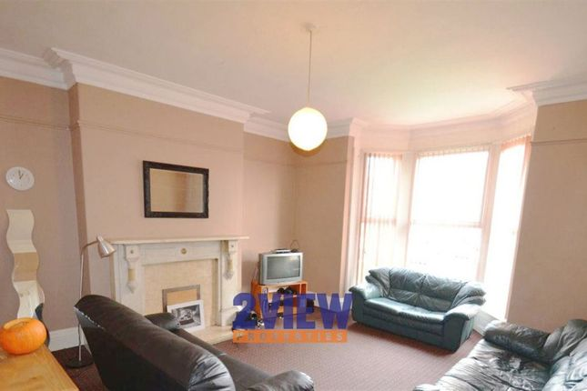 Thumbnail Property to rent in Belle Vue Road, Leeds, West Yorkshire