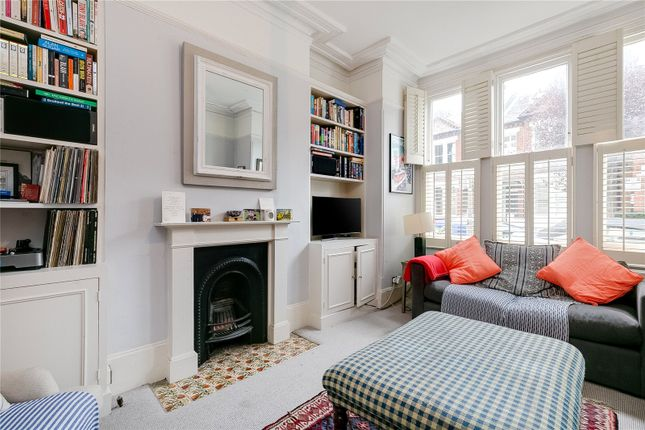 2 bed flat for sale in Marney Road, London SW11