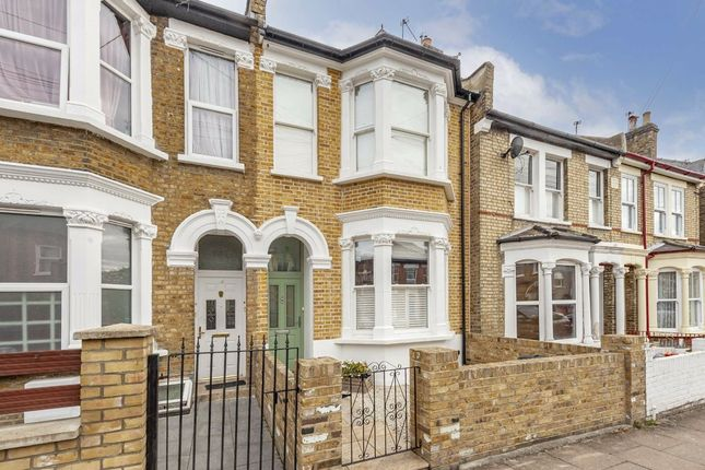 Thumbnail Property for sale in Brightwell Crescent, London