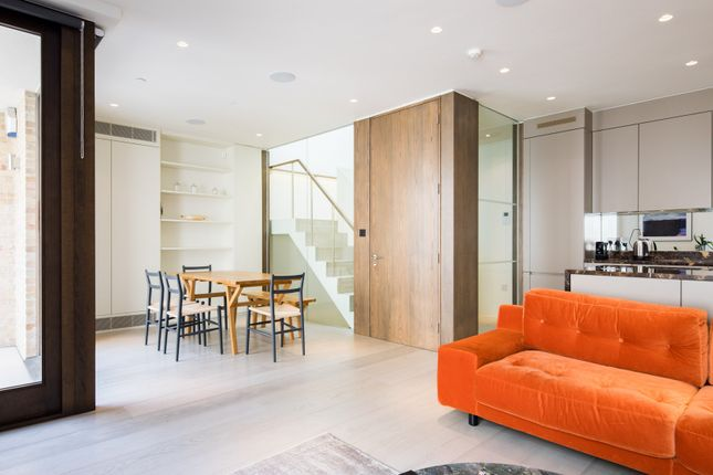 Thumbnail Town house to rent in Clay Street, London