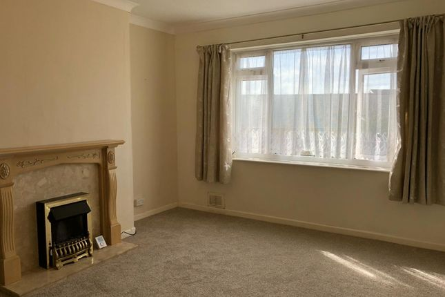 Thumbnail Bungalow to rent in Tirmynydd Road, Three Crosses, Swansea
