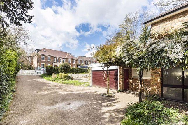 Thumbnail Property for sale in Newlands Avenue, Radlett, Hertfordshire