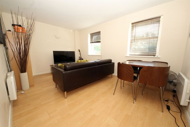 Thumbnail Flat for sale in 41 Silver Street, Enfield, Greater London