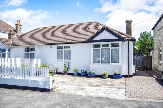 Thumbnail Bungalow for sale in Edward Avenue, Morden