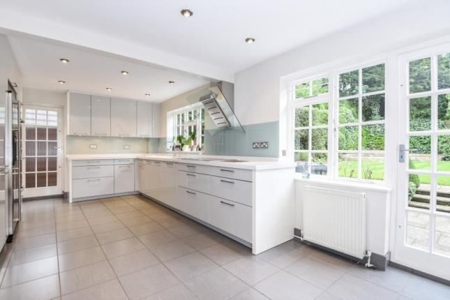 5 bed detached house for sale in Marsh Lane, London