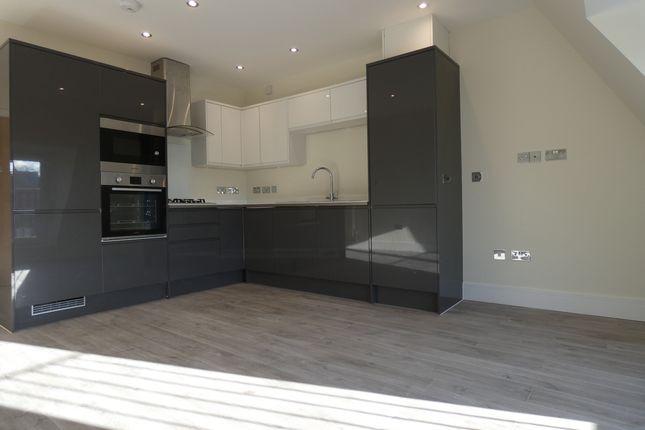 Studio to rent in Victoria Road, Aldershot GU11