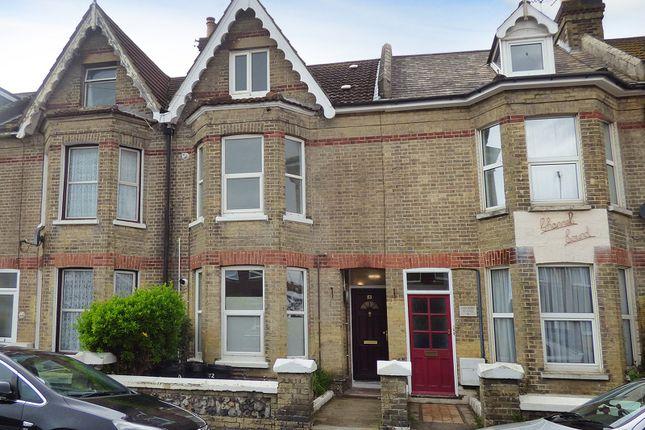 Studio to rent in Bayford Road, Littlehampton