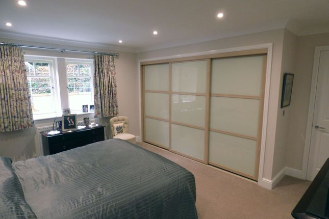 Master Bedroom - Fitted Wardrobe
