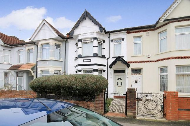 Thumbnail Property to rent in Northcote Avenue, Middlesex